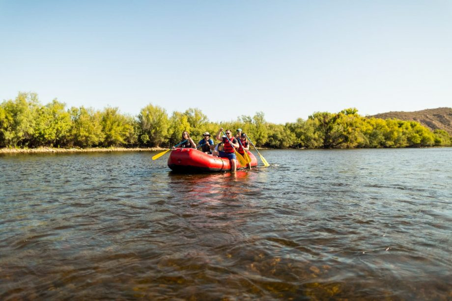 Rafting tour group paddles across Arizona waterway