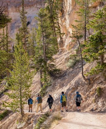 Hiking tour group descends Bryce Canyon National Park trail