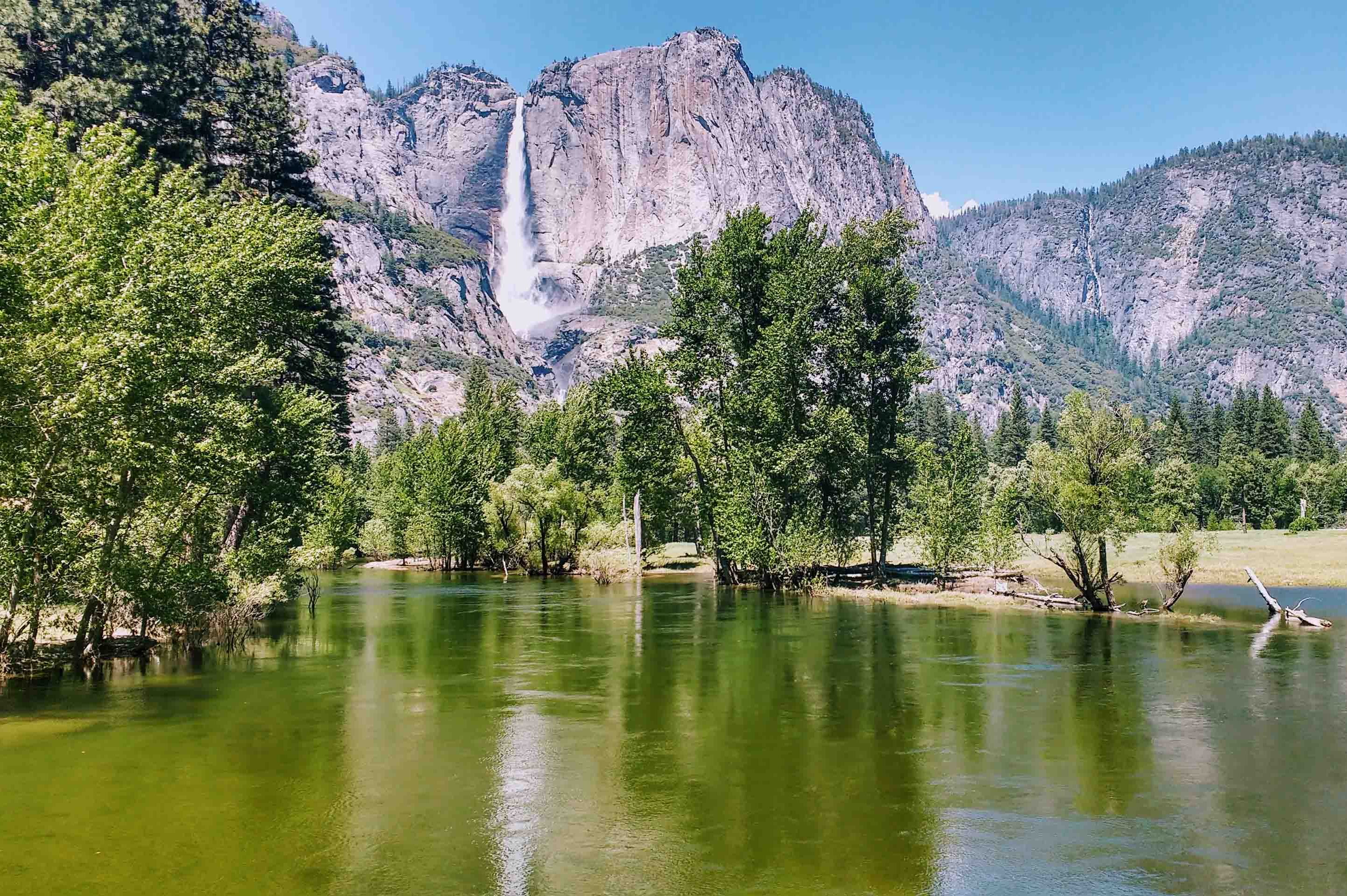 hike the Yosemite Valley on a guided tour with REI