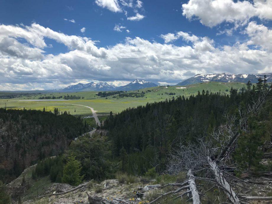 bunsen peak in yellowstone national park