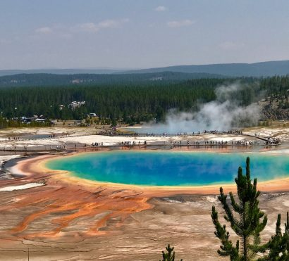 grand prismatic spring yellowstone national park landscape